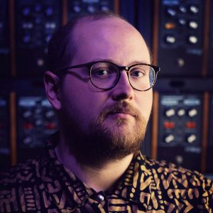 Dan Deacon talks TM, Oblique Strategies and synthesizers